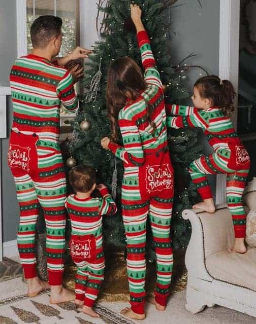 Best matching family christmas pajamas check what 39 s best for Funny matching family christmas pajamas